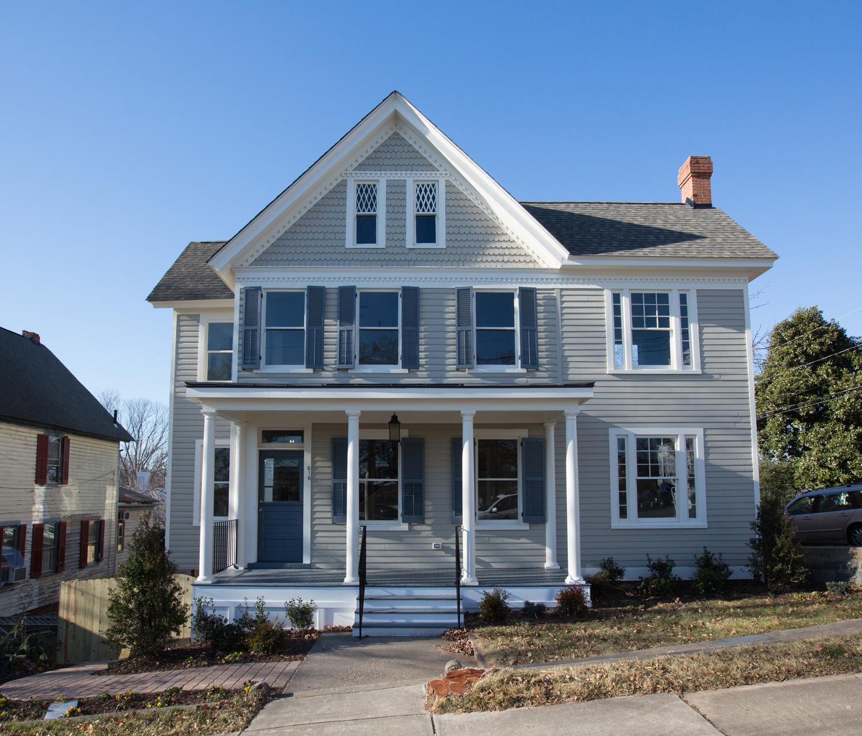 Completely restored historic old town fredericksburg home for Custom home builders fredericksburg va