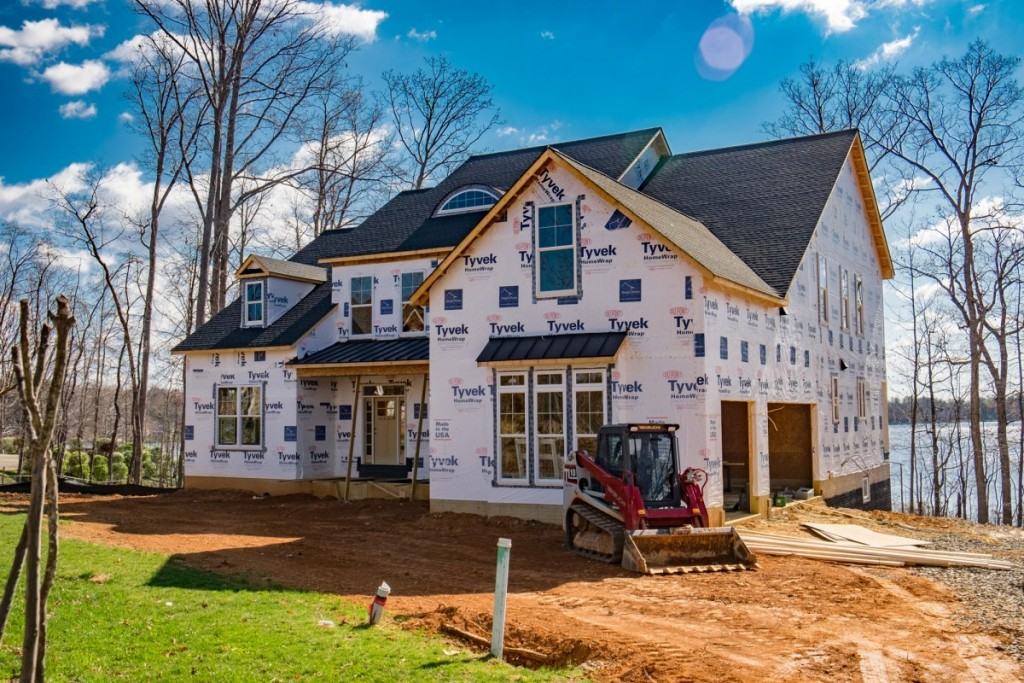Spring has sprung in fawn lake simply home custom for Custom home builders fredericksburg va